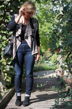 Dressing Up with @jeantheory featuring #citizensofhumanity #highwasted #jeans, #luckybrand #sweater, and more goodies.  #fallstyle #fallfashion #falldenim #falllayers #waterfallcardigan #aztecprint #booties #weekendstyle #ootd #whatiwore   Styled by Linnea White (me) // Photo by Megan Tiernan