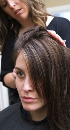 """Perfect highlights --- New DIY Hair Color For Busy Moms: """"I was going to the salon every four to five weeks. It was costing a fortune and I can't believe how many hours I wasted there. My Hairstyle, Pretty Hairstyles, Corte Y Color, Looks Style, Great Hair, Up Girl, About Hair, Hair Dos, Hair Hacks"""