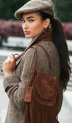 Update your look for fall with a mix of classic tweed and sumptuous brown suede: the fringe saddle bag from Polo Ralph Lauren can be worn on the shoulder or across the body and has a fold-over flap…More Tweed, Hats For Women, Clothes For Women, Ralph Lauren Style, Outfits With Hats, Country Outfits, Hipsters, Blazer, British Style