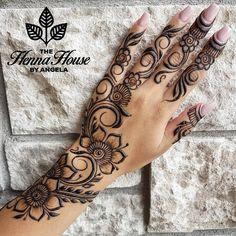 Henna Hand Designs, Pretty Henna Designs, Mehndi Designs Finger, Arabic Henna Designs, Mehndi Designs For Beginners, Modern Mehndi Designs, Mehndi Designs For Fingers, Mehndi Design Photos, Beautiful Mehndi Design