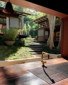 Modern House: Angophora House by Richard Leplastrier Residential Architecture, Modern Architecture, Pavilion Architecture, Sustainable Architecture, Japanese Style House, Traditional Japanese House, Le Ranch, Tropical Houses, Style At Home