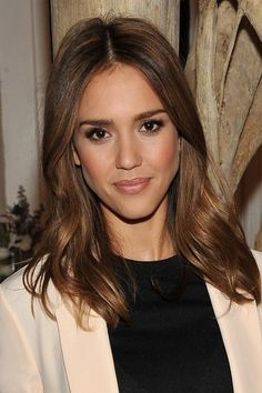 Change Your Looks with Jessica Alba Hairstyles : Simple Hairstyle Ideas For Women and Man
