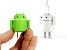 Andru USB Charger, A Friendly Android Power Bot