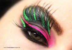 Sailor Pluto inspired makeup by http://missxtravaganz.blogspot.de/2016/02/schminkaktion-sailor-blogparade-sailor.html
