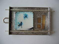 Colgante. plata, oro. Técnica: Esmalte 840ºC., Kum-boo. Autor: Alfredo Escalada.