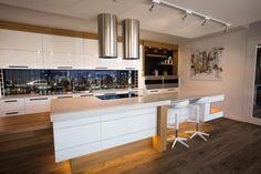 1 5130 Cosmopolitan White™ - Kitchenext
