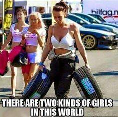 Memes Humor, Car Humor, Funny Memes, Hilarious, Foto Fails, Two Types Of Girls, Car Jokes, Racing Quotes, Jokes