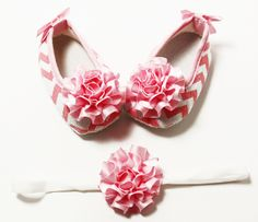 Light Pink & White Chevron Crib Shoes w/Pink Bows & Headband Set Crib Shoes, Stylish Dresses, Pink Bows, Pink White, Headbands, Chevron, Boho, Princess, Babies
