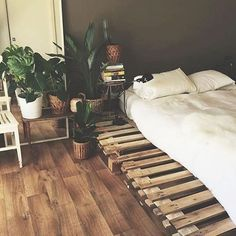 Customer shot of our Yo Home Bamboo Bed sheets ❤️ Pallet bed perfection
