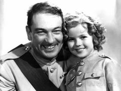 Victor McLaglen & Shirley Temple in Wee Willie Winkie Directed by John Ford, The Hollywood Bowl, Hollywood Actor, Classic Hollywood, Old Hollywood, Hollywood Icons, Temple Movie, Actor Secundario, John Ford, Old Movie Stars