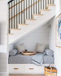 Best Amazing Staircase Ideas Modern staircase ideas - design and layout ideas to inspire your own staircase remodel, painted diy, decorating basement remodel pictures - # Modern Staircase, Staircase Design, Spiral Staircases, Interior Stairs, Home Interior, Interior Architecture, Interior Design, Under Stairs Nook, Living Room Under Stairs