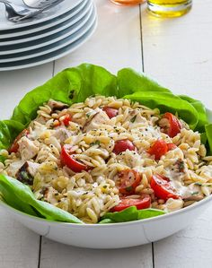 With only five ingredients, this salad is the definition of simple preparation. If you haven't tried orzo as the base for a pasta salad before, this is a great way to start – it's delicious, especially with fresh tomatoes, basil and ranch. Orzo Salad Recipes, Pasta Recipes, Chicken Recipes, Pasta Salad, Soup Recipes, Recipies, Lunch Recipes, Diet Recipes, Cooking Recipes