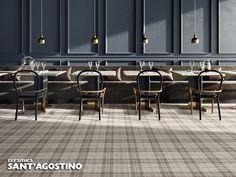TailorArt è l'evoluzione del tessuto ceramico dalla superficie strutturata e tridimensionale originale di Ceramica Sant'Agostino, in cui il design sartoriale richiama la tipica armatura di un tappeto intrecciato di cotone a righe, o di un motivo madras.