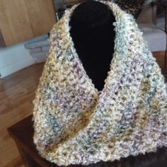 One Hour Crochet Mobius / Infinity Scarf or Cowl