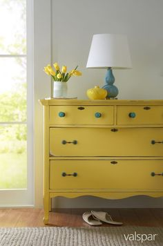 Give your dresser a personal touch with the over 40 tintable colors available and keep the original charm with a distressed finish.