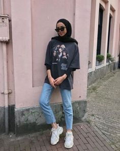 Trendy Fashion Hijab Casual Dresses Muslim Source by clothing Trendy Fashion Hijab Casual Dresses Muslim Source by clothing hijab Trendy fitness style fashion inspiration Ideas when the sun comes out 🌞 Hijab Casual, Hijab Chic, Casual Dress Outfits, Mode Outfits, Ootd Hijab, Casual Pants, Plad Outfits, Stylish Outfits, Hijab Wear