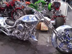 Love the chopper but designs not my style Custom-design motorcycle chopper.