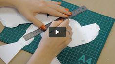 В этом видео я показываю как сделать полигональную голову оленя из бумаги по моей развертке. Купить файлы с развёрткой и инструкцией можно в моём магазине https://gumroad.com/bubliknata Музыка:…