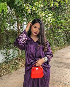 loser #eidoutfi Eid Outfits, Dress Outfits, Dress Clothes, Modele Hijab, Afghan Dresses, Weeding Dress, Moroccan Caftan, Caftan Dress, Prom Pictures