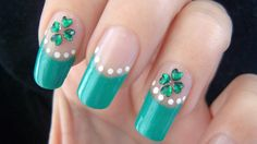 St. Patrick's Day Four Leaf Clover Nail Art Tutorial