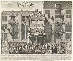 Anonymous | Illuminatiën bij de viering van de Vrede van Utrecht te 's-Gravenhage, 1713, Anonymous, Anna Beeck, Staten-Generaal, 1713 | Illuminatiën en versiering bij het Stadhuis bij de viering van de Vrede van Utrecht te 's-Gravenhage op 14 juni 1713. Tegen de gevel is een stellage gebouwd waarin allegorische voorstellingen zijn opgenomen. Twee reigers spuiten drank vanuit de gevel naar de bijeengestroomde menigte. Aan weerszijden staan grote kandelaars opgesteld. In het onderschrift de…