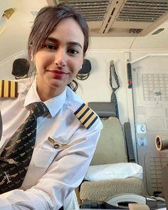 Lovely Girl Image, Beautiful Girl Photo, Cute Girl Photo, Girls Image, Cool Girl, Indian Air Hostess, Stewardess Costume, Women Wearing Ties, Becoming A Pilot