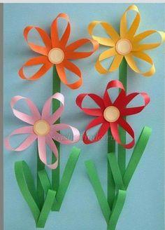 carterie, pergamano et tableaux - Page 13 Paper flowers Craft Activities, Preschool Crafts, Easter Crafts, Fun Crafts, Diy And Crafts, Arts And Crafts, Paper Flowers Craft, Flower Crafts, Flower Art