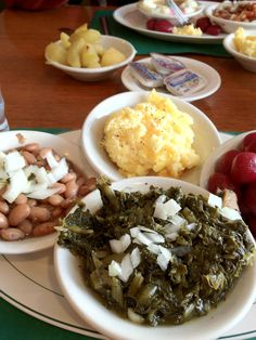 Now this what #Southern #food and #cooking is all about: the vegetable plate via The Southern Slow Cooker blog.