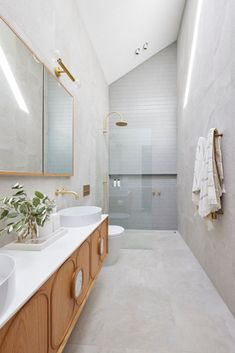 Ronnie & Georgia delivered a gorgeous, serene master ensuite and took out the win with their bonus point this week on The Block 2021 Bathroom Inspo, Bathroom Layout, Bathroom Styling, Bathroom Lighting, Bathroom Tapware, Bathroom Floor Tiles, Bathroom Wall, Wall Tiles, Tile Floor