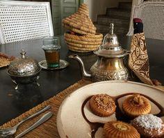 #buenosdias amigos, os deseamos que tengáis un gran día, empezamos nuestro #desayuno ❤️ #morocco #marrakech #marruecos #hotelconencanto #hotelboutique #exclusive #luxury #lunademiel #honeymoon #bonito #viajeromantico #temarroqui