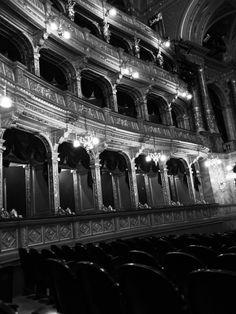 #opera #theater #hungary #balcony