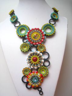 Gipsy Ringlets - i love this! Jewelry Crafts, Jewelry Art, Beaded Jewelry, Crochet Necklace, Beaded Necklace, Necklaces, Fibre And Fabric, Textiles, Beading Projects