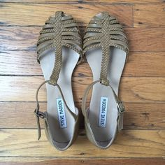 Steve Madden Sandals Tan sandals with braided design and buckle closure. Worn twice and in like new condition. Steve Madden Shoes Sandals