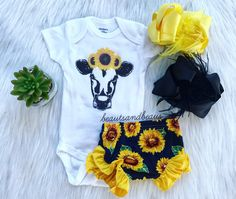 Sunflower bloomers - Oaklyn Baby Name - Ideas of Oaklyn Baby Name - Sunflower bloomers Baby Outfits, Children Outfits, My Bebe, Pregnant Mom, Baby Kids Clothes, Summer Clothes, Country Baby Clothes, Western Baby Clothes, Western Babies