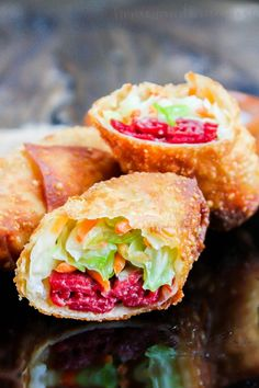 Irish Egg Rolls are all of the classic corned beef and cabbage flavors wrapped up in a crunchy egg roll wrappers and dipped in a creamy parsley sauce. Cooking Corned Beef, Corned Beef Recipes, Corn Beef And Cabbage, Cabbage Recipes, Cabbage Rolls, Beef Appetizers, Appetizer Recipes, Irish Appetizers, Homemade Ravioli