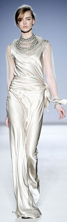 Class never goes out of style /Alberta Ferretti