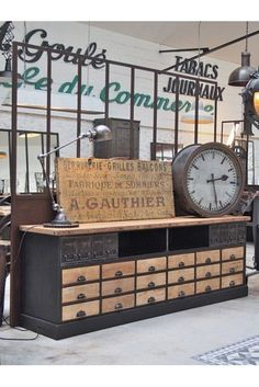 Industrial sideboard: Which model to choose for a loft-like living room? - Place a jieldé lamp or a retro spot on your sideboard - Vintage Industrial Furniture, Industrial Interiors, Rustic Industrial, Industrial Design, Garage Furniture, Painted Furniture, Loft Style, French Decor, Eclectic Decor