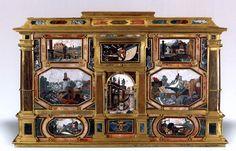 PANDOLFINI, Giuliano di Pietro  Pietra dura chest  1620-23  Commessi di pietre dure, garnets, gilt bronze and ebony, 56 x 88 x 49 cm  Liechtenstein Museum, Vienna