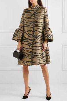 Carolina Herrera - Tiger-jacquard coat - Katharina Home Latest African Fashion Dresses, African Print Fashion, Hijab Fashion, Fashion Outfits, Womens Fashion, Fashion Trends, Fashion Coat, African Wear, African Dress