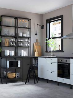 Inspiration & décoration : 20 cuisines Ikea qui ont du style Kitchen Pantry Design, Studio Kitchen, Home Decor Kitchen, Kitchen Interior, Home Kitchens, Knoxhult Ikea, Ikea Home Tour, Kitchen Wall Storage, Tumblr Room Decor