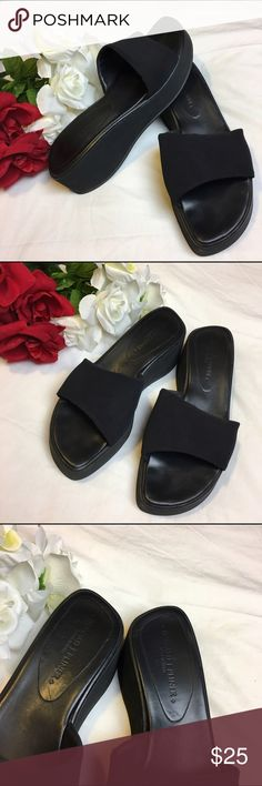 Donald j. Pliner shoes Excellent condition! Worn a few times. No harsh signs Of wear. Platform measures 2 inches Donald J. Pliner Shoes Platforms