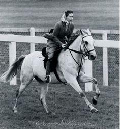 Queen Elizabeth II -- England's Ascot course, 1961