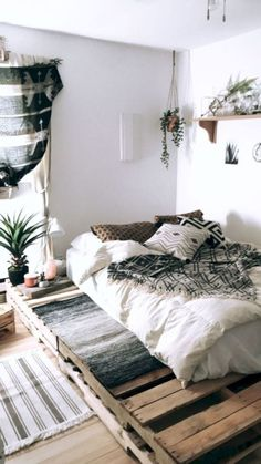 41 cozy diy apartment decor ideas 41 - Home Decor Diy Diy Apartment Decor, Home Decor Bedroom, Living Room Decor, Bedroom Ideas, Bedroom Themes, Bedroom Designs, Apartment Ideas, Outdoor Bedroom, Studio Apartment