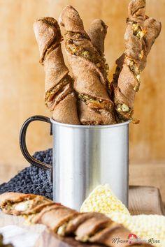Olivenpesto-Feta-Brotstangen