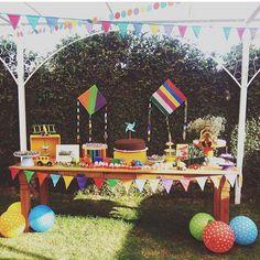 Decoração linda para festa infantil ao ar livre, picnic, amei! Por @ludicafestasinfantiss  #kikidsparty