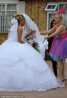 Sixteen-year-old Big Fat Gypsy Wedding bride's… Gypsy Wedding Gowns, My Big Fat Gypsy Wedding, Gipsy Wedding, Big Wedding Dresses, Formal Dresses For Weddings, Wedding Bride, Bridal Gowns, Dream Wedding, Brides And Bridesmaids