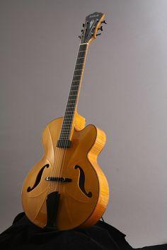Beauregard Guitars Facettes Archtop 16″