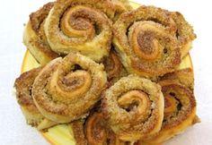 Darázsfészek Nomitól Romanian Food, Onion Rings, Breakfast Recipes, Sweets, Ethnic Recipes, Dios, Kuchen, Recipies, Gummi Candy