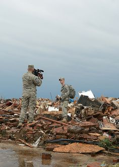 Oklahoma tornado relief These soldiers are keeping strong! Pray 4 OK