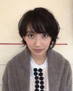 いいね!2件、コメント2件 ― 波瑠さん(@06_haru_17)のInstagramアカウント: 「は、波瑠です。 よろしくどうぞ。 18時半から新春しゃべくり007 4時間半SP観てみてくださいませ。」